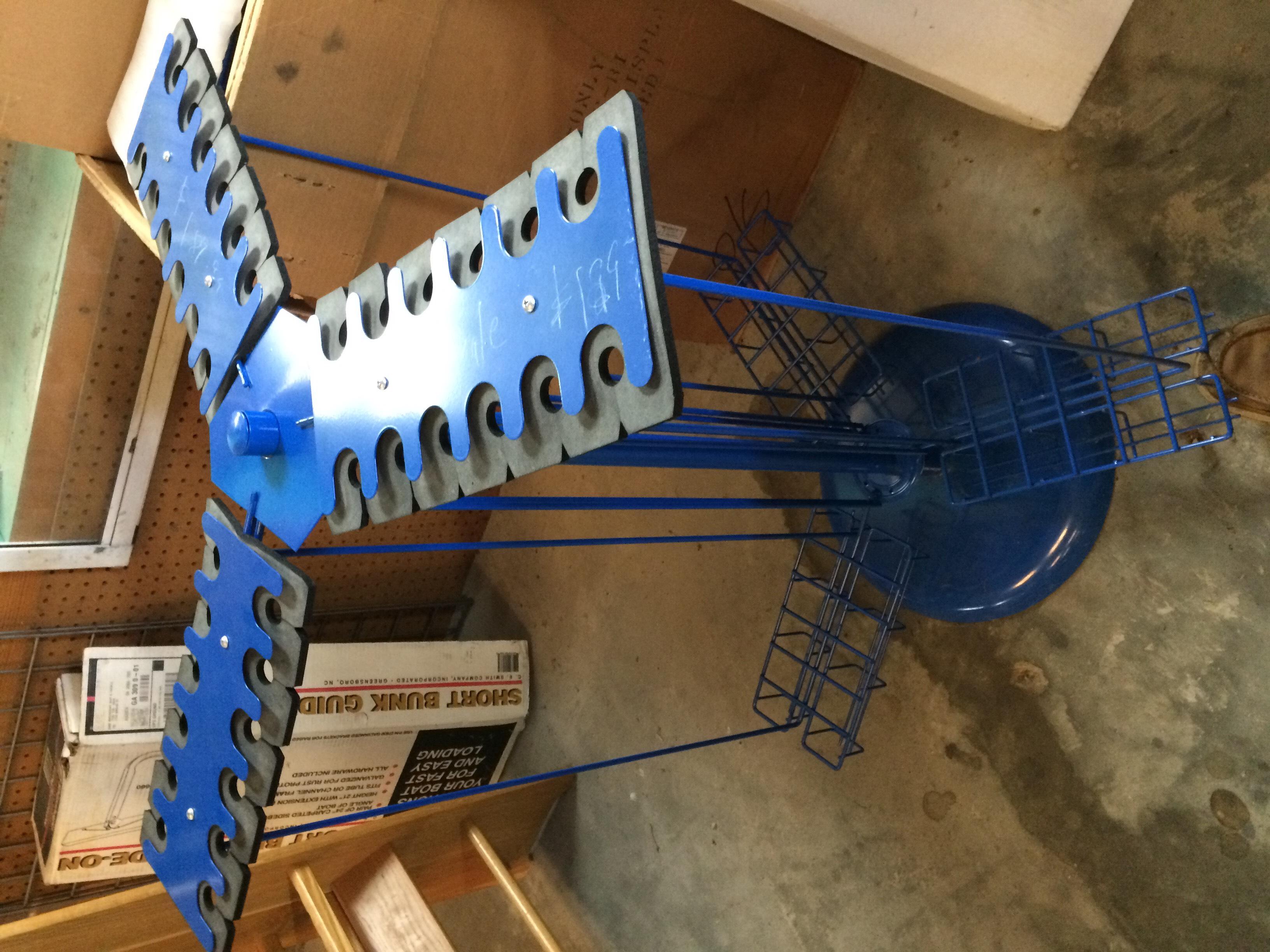 Minn Kota Trolling Motors >> RETAIL DISPLAYS and Fishing rod racks